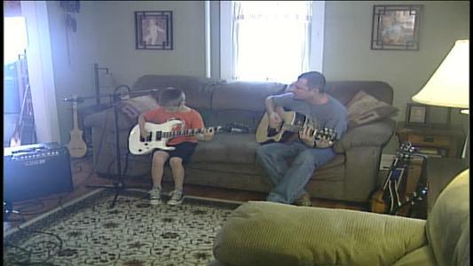 Eamonn Hubert performs _Melissa__-7516272779396690602