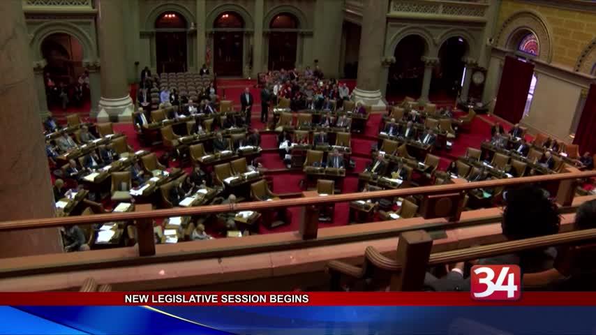 New York legislature returns to Albany