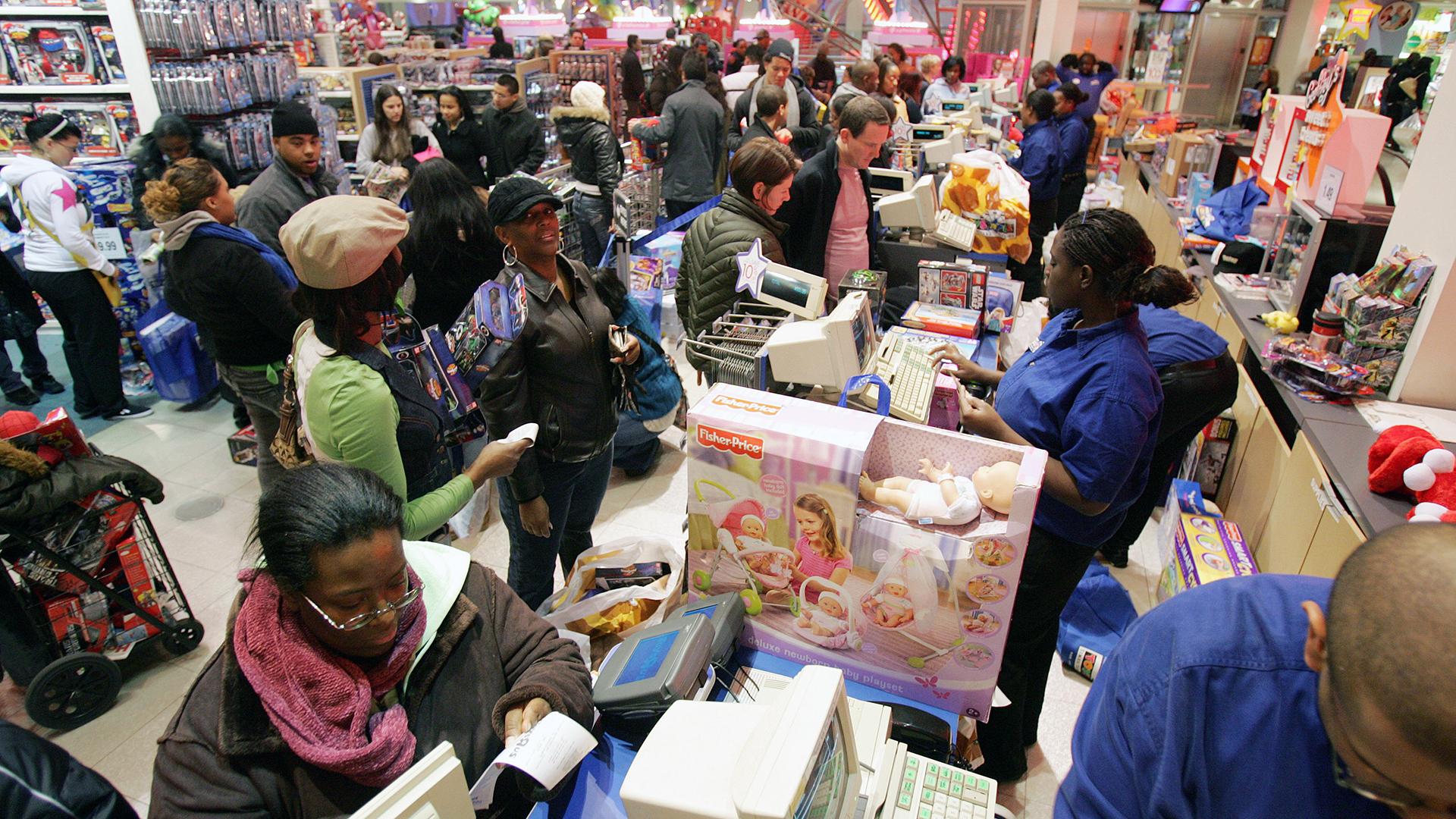 Black Friday toy shopping-159532-159532.jpg84740287