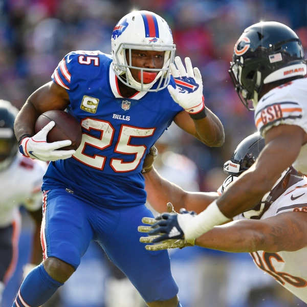 Bears Bills Football_1541818157993