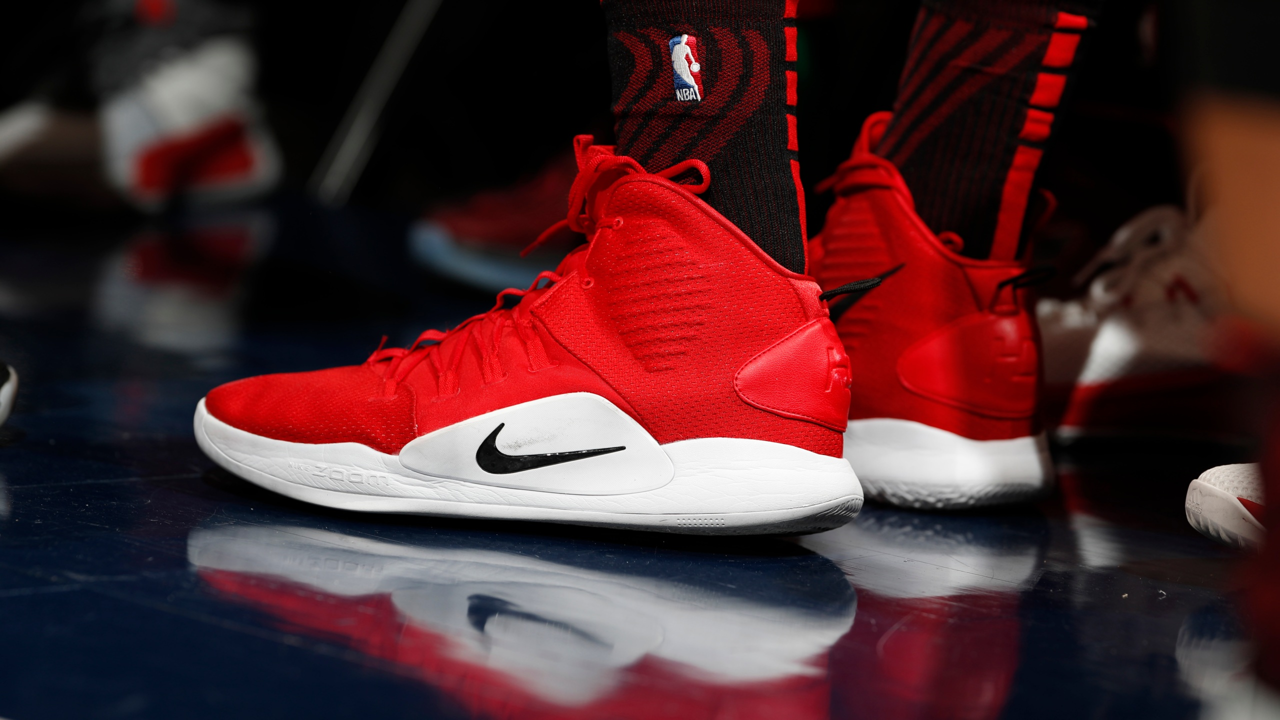 Portland Trail Blazers forward Zach Collins (33), nike hyperdunks, r m