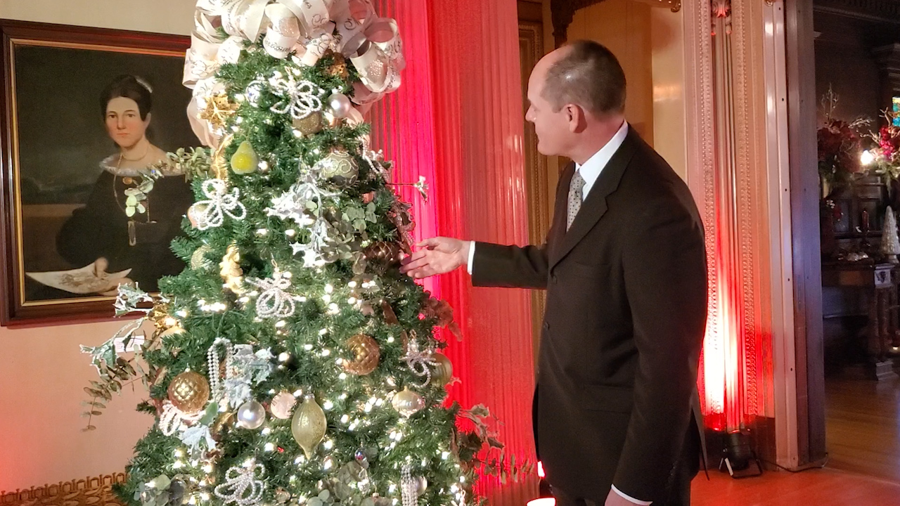 WATCH: Christmas Tree of the Day; the Women's Fund | WIVT - NewsChannel 34
